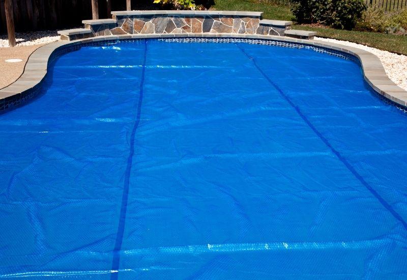 Hivernage de piscine 79